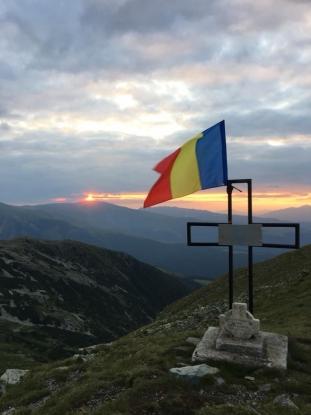 Drapel la 2.280 m în Argeş