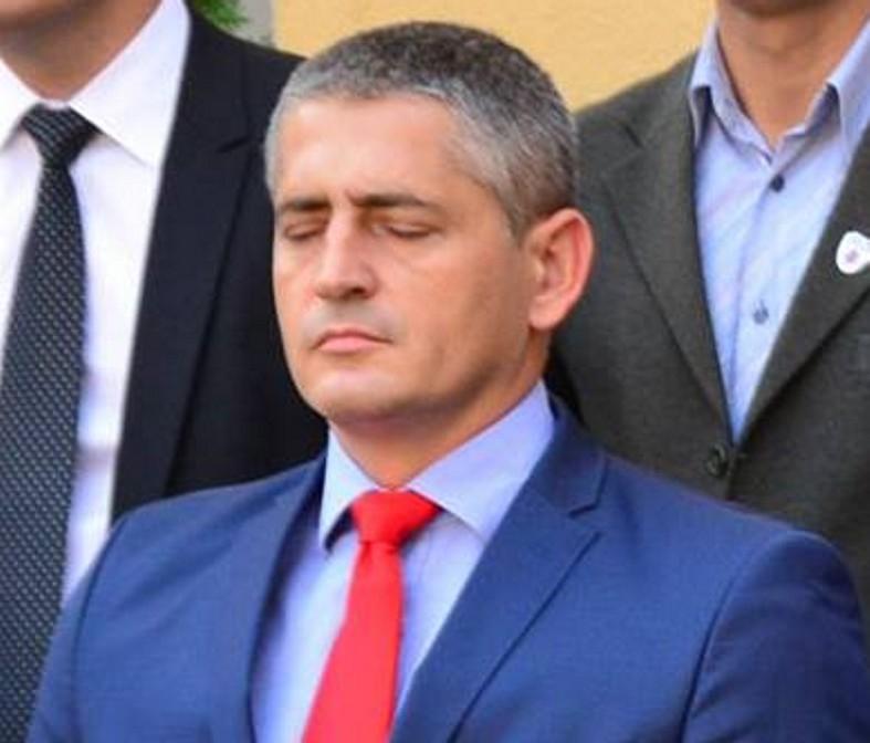 """Inspectorul Tudosoiu - """"făcut la bani"""" de soţie"""