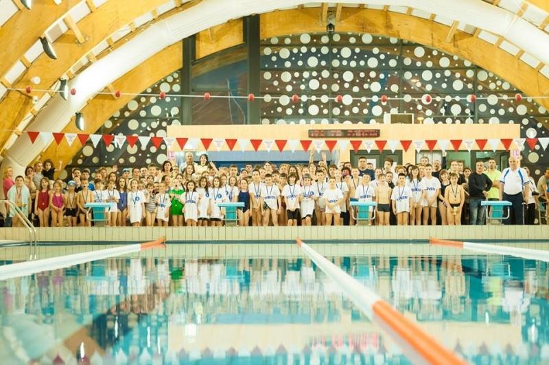 Înotătorii de la C.S Dacia Mioveni 2012, concurs la Piteşti