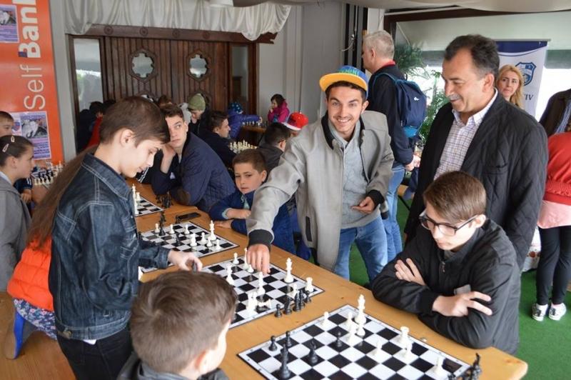 """Mioveni: Participare numeroasă la Campionatul de Şah Memorialul """"Vasile Costescu"""""""