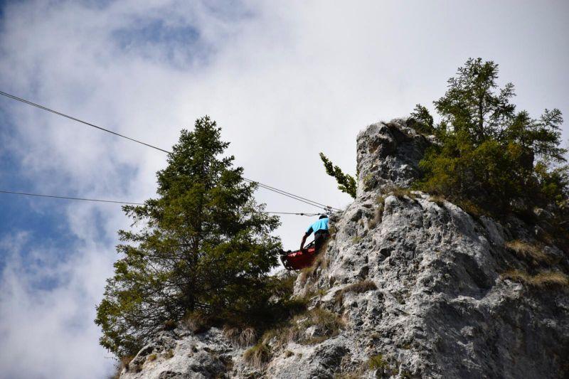 Jandarmeria Montană – antrenament pe Cheile Dâmbovicioarei  în cadrul unui exerciţiu complex de salvare-evacuare