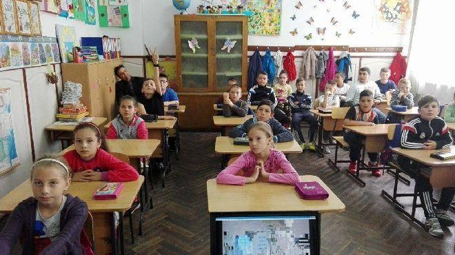 Şcoala din satul Cerşani, comuna Suseni, va fi reabilitată