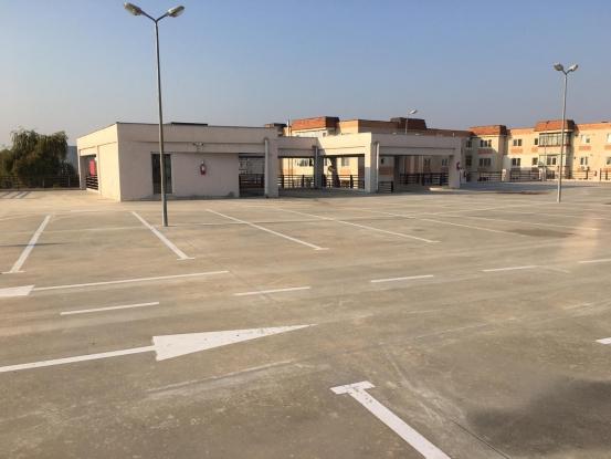 Lucrări suplimentare la parcarea de la Piaţa Dacia din Mioveni