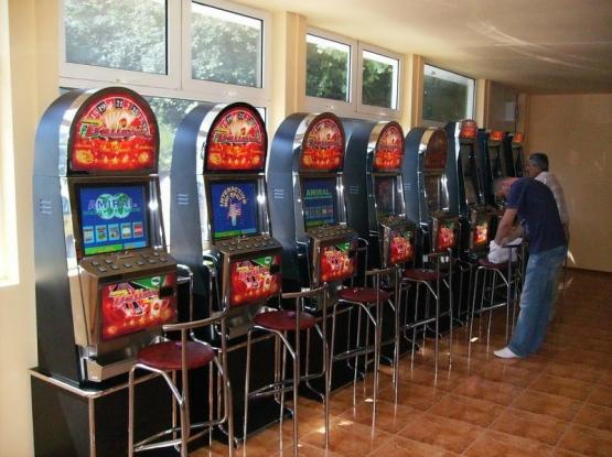Lovitură pentru proprietarii sălilor de jocuri de noroc!