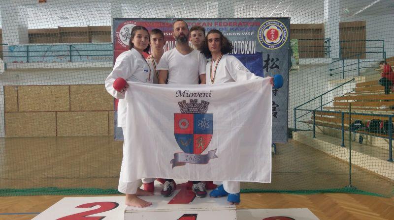 Noi medalii pentru karatiştii din Mioveni