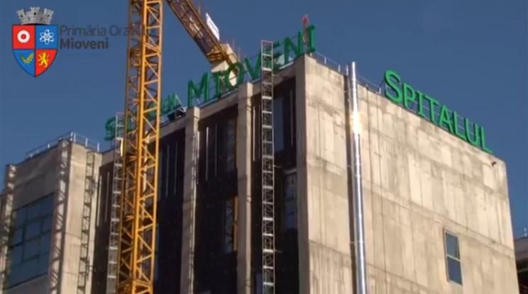 Sumă uriaşă pentru firma luminoasă a noului spital din Mioveni!