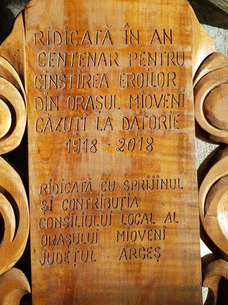 MIOVENI: MONUMENT ÎN CINSTEA EROILOR, LA CLUCEREASA