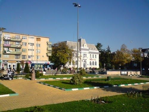 Piaţa Primăriei Piteşti, în decembrie în Consiliul Local
