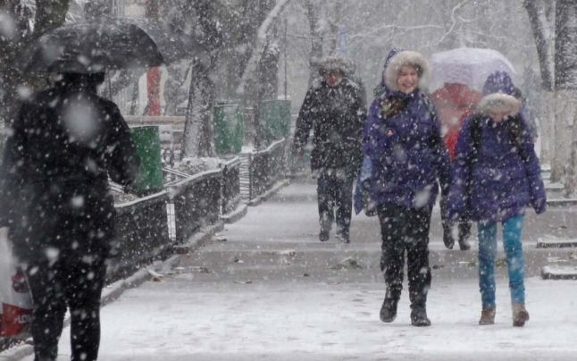 Cod galben de frig şi ninsori în Argeş