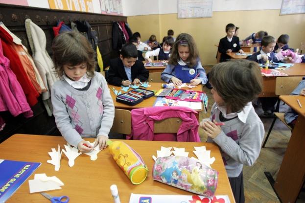 Grădiniţe cu program sportiv în Argeş. Guvernul dă banii!