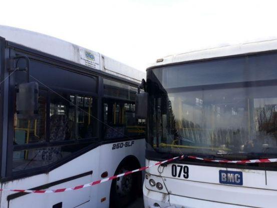 Autobuzele care i-au adus belele lui Pendiuc, scoase la vânzare