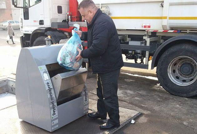 Află lângă ce blocuri vor fi amplasate containerele îngropate pentru gunoi!