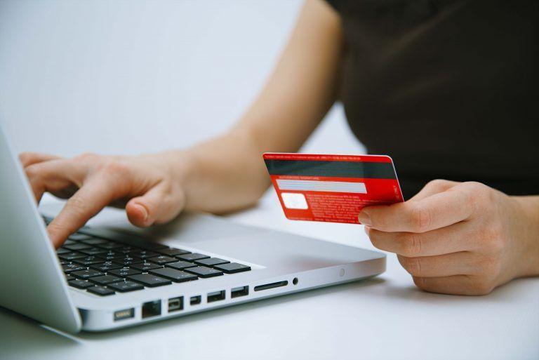 La Mioveni, impozitele și taxele locale pot fi achitate și online
