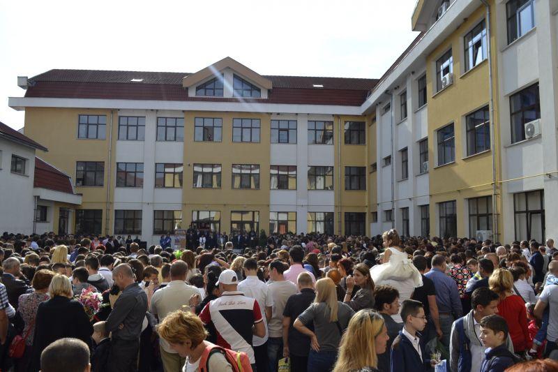 Mioveni: Au început înscrierile în clasele pregătitoare!