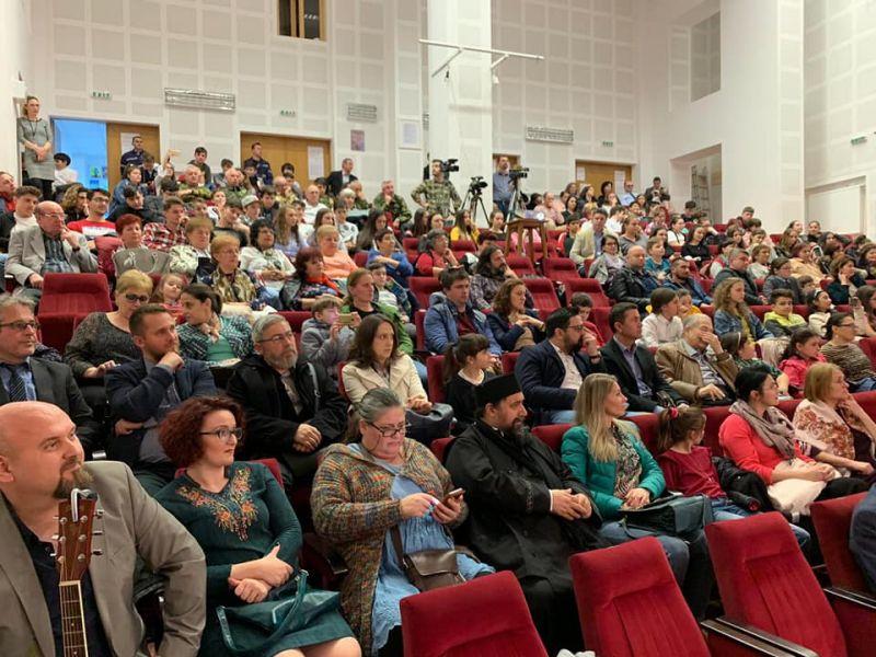 """Mioveni:S-a lansat filmul documentar """"CINE A FĂCUT ROMÂNIA MARE"""""""