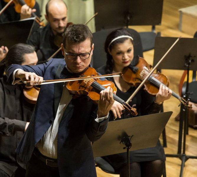 Alexandru Tomescu și magia sunetelor lui Saint-Saëns la Filarmonica Pitești