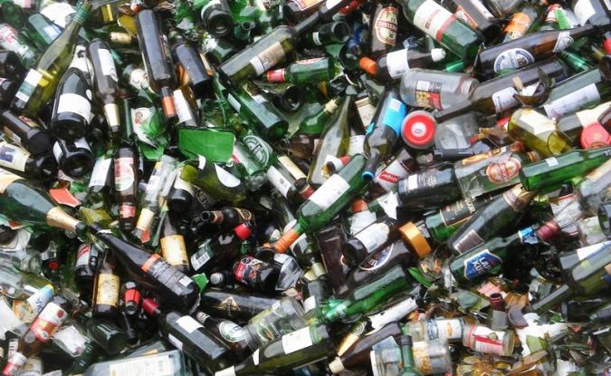 Campanie de colectare a deșeurilor din sticlă la Mioveni