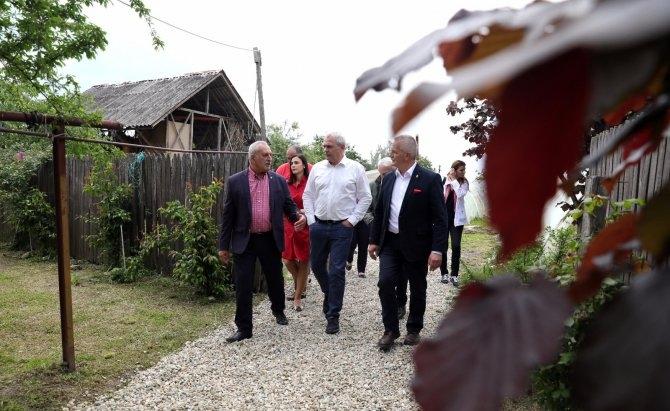Dragnea a promis în Argeş bani pentru construcţia de depozite pentru legume şi fructe