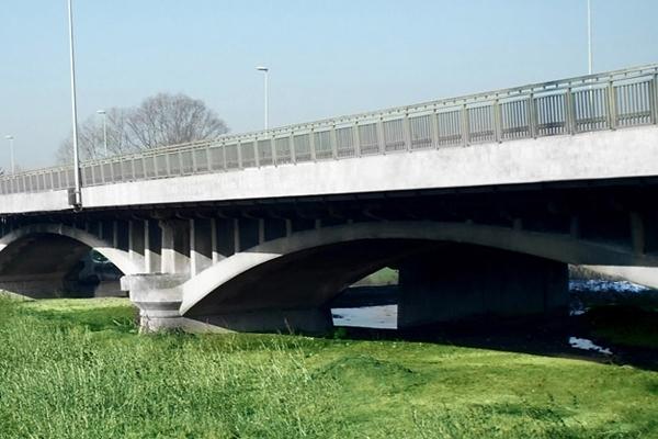 Restricţii de trafic pe podul peste Râul Doamnei la ieşirea spre Ştefăneşti