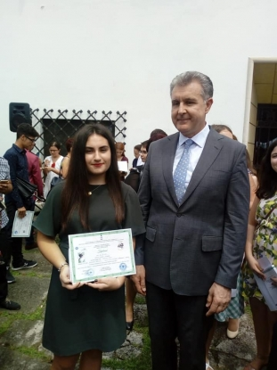 Elevi din Mioveni, premiaţi de Principele Radu