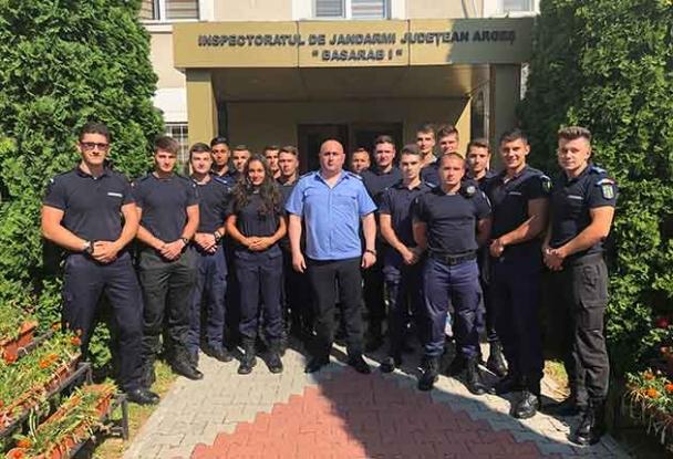 Studenţi în practică la Jandarmeria Argeş