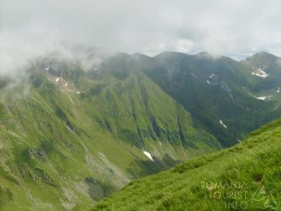 Recomandări de la Jandarmeria Argeş pentru iubitorii muntelui