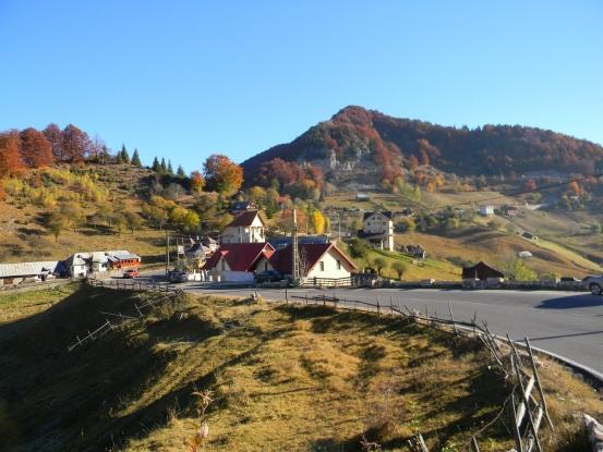 Comercianţii de brânză şi cârnaţi de la Dâmbovicioara – Valea Urdii, sancţionaţi