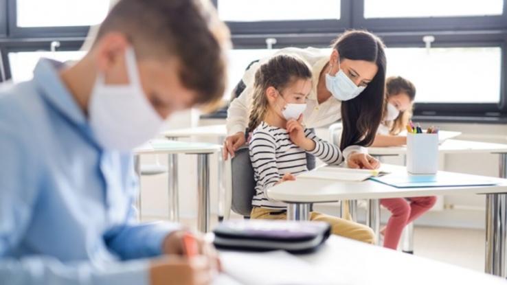 Peste 600 de elevi s-au infectat de la începerea școlii!